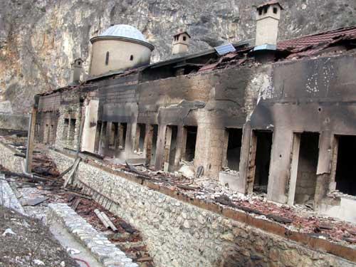 61 spaljena srpska crkva konaci