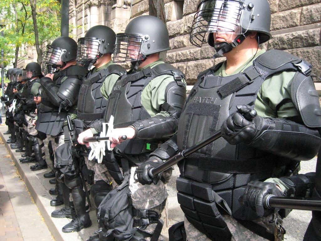 3955201772_2e1057081c_b_USA-police