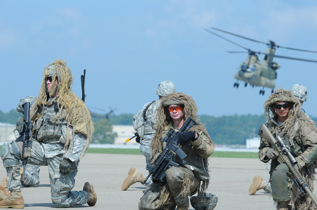 7739500950_915e17b05c_b_US-Army