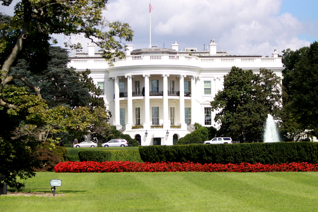 9976953264_ce7d61b861_b_White-House-in-Washington