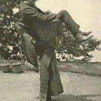 india-1903-kolonistu-nosi-lokalna-zena