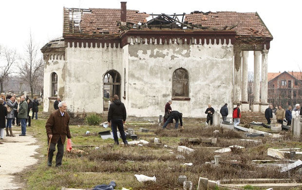 """The 2004 """"March Pogrom"""" in Kosovo by Muslim Albanians"""
