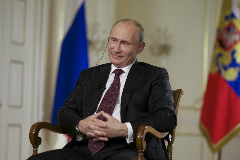 Russia's President Vladimir Putin Honors in Kremlin Afghan Mujahedin Fighters